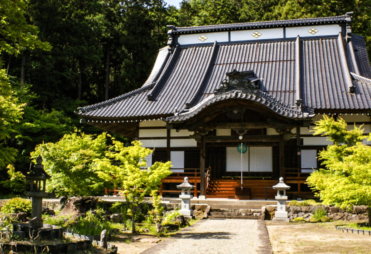 ご利益寺を巡ろう!静寂の中で富士山を望む山寺、永昌院の歴史と魅力をご住職に聞きました