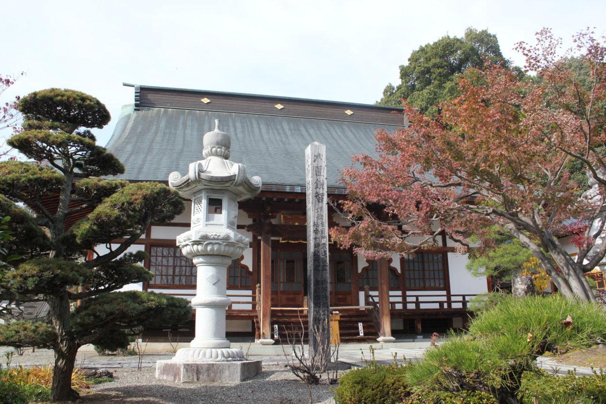 ご利益寺を巡ろう! 甲府五山のひとつ「能成寺」に集まってきた歴史ある人物、もの、こと